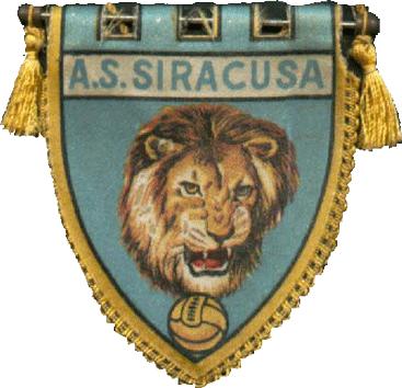Calcio, il Siracusa bocciato dal Lecce con tre staffilate