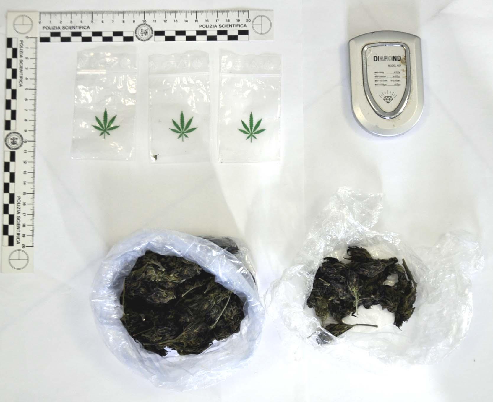 Noto: Denunciato un 23enne per possesso di droga