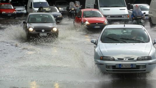 Allerta meteo, domani a Siracusa chiuse scuole, cimiteri ed impianti sportivi