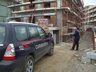 Sospese sette attività per lavoro nero e cinque imprenditori denunciati, multe per 100 mila euro