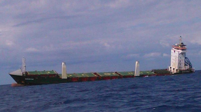 Ultim'ora: Affonda una nave a largo di Avola: contiene fosfato di ammonio!