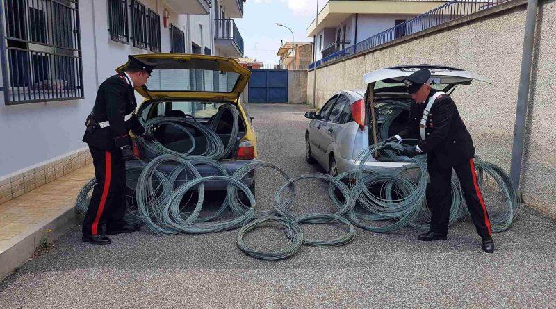 Sorpresi a rubare cavi di rame in una azienda dismessa: denunciati