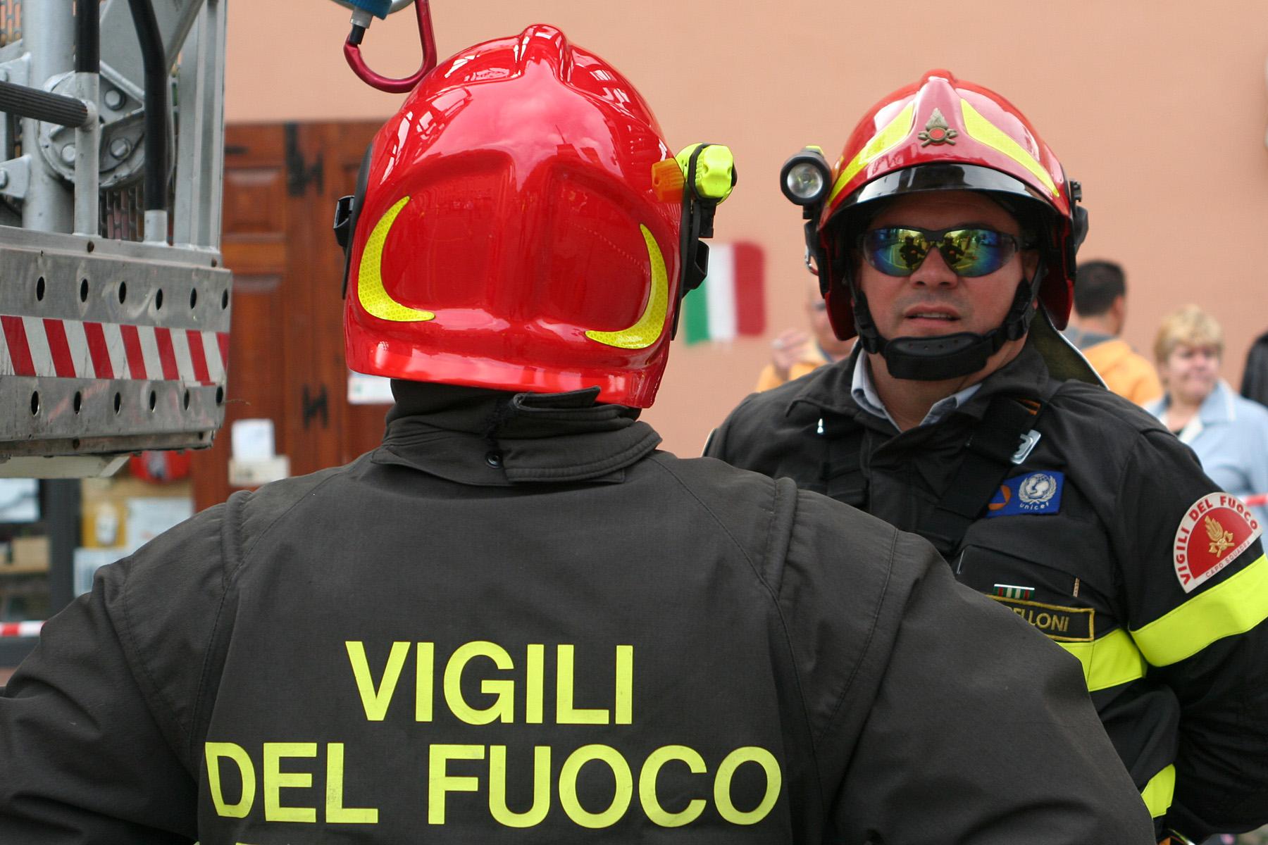 Scoppia un incendio di vaste proporzioni a Priolo Gargallo, anche la riserva Saline coinvolte nell'incendio