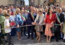 Bonfanti inaugura l'Infiorata 2019, quest'anno dedicata ai siciliani in America